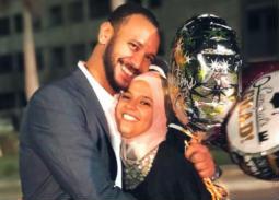 أحمد خالد صالح وشقيقته