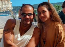 ابنة عمرو دياب تهنئ صديقتها بعيد ميلادها بكلمات رقيقة وصور من طفولتهما.. هل تغيرت كثيرا؟