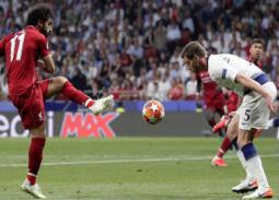 موعد والقنوات الناقلة لمباراة ليفربول وتوتنهام في الدوري الإنجليزي
