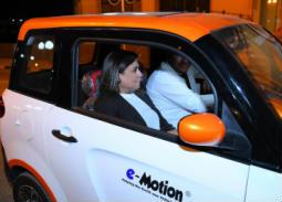 بالفيديو- نشوى مصطفى تقود السيارة الكهربائية الجديدة