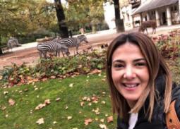 بالصور- رحلة دنيا سمير غانم إلى حديقة الحيوان في ألمانيا
