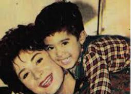 هيثم ووالدته هالة فؤاد توفيا في نفس السن