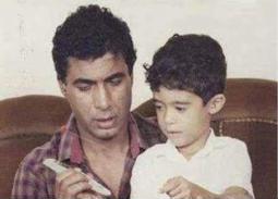 هيثم أحمد زكي مع والده