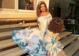 صور- ريهام أيمن مع ابنتها في جلسة تصوير جديدة