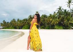 ياسمين صبري تستمتع برحلتها في جنة المالديف