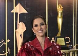 نجمات بإطلالات محتشمة على السجادة الحمراء بمهرجان القاهرة