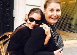 تعرف على الفنانة والدة منة شلبي التي أهدت لها جائزة المهرجان