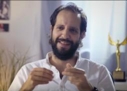 """بالفيديو-  أحمد أمين يعلن نهاية الموسم الأول من """"الفاميليا"""""""