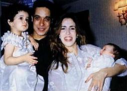 عامر منيب وزوجته وابنتيه