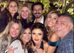بالصور- نيللي كريم مع النجوم في أول ظهور بعد عودتها إلى مصر