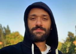 كريم محمود عبد العزيز يكشف عن اسم فيلمه الجديد