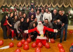 احتفالا بالكريسماس... دنيا سمير غانم وزوجها مع هؤلاء النجوم