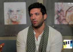 """صور - حسن الرداد غاضباً على الملصقات الدعائية الأولي لـ"""" شاهد عيان"""""""