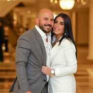 فيديو- قصة المعجبة التي ضربت زوجة محمود العسيلي