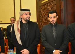 بالفيديو-  حسين الجسمي يستقبل المعزين في والد إيهاب توفيق 