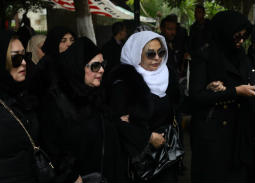 نجوم الفن في جنازة ماجدة