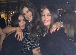 النجوم يحتفلون بعيد ميلاد ياسمين عبد العزيز