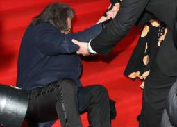 بالصور- سقوط آل باتشينو في حفل توزيع جوائز BAFTA