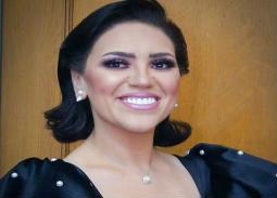 بالصور- مي فاروق تستعرض رشاقتها في حفل الأوبرا