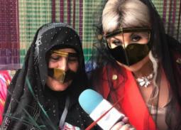 بالصور- بوسي شلبي بالبرقع الإماراتي في مهرجان الفجيرة