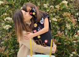 بكمامة... نانسي عجرم تحتفل بعيد ميلاد ابنتها