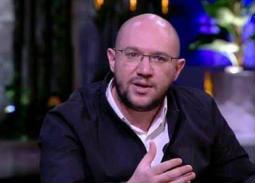 """محمد ناير يتحدث لـ""""في الفن"""" عن كواليس """"جمع سالم"""" ونصيحة صلاح السعدني"""