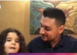 فيديو- ابنة أحمد صفوت تفاجئه على الهواء