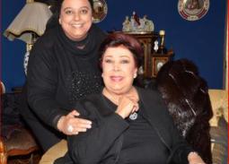 طلب من ابنة رجاء الجداوي بعد إصابة والدتها بفيروس كورونا