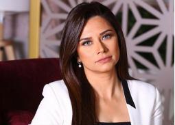 دينا زهرة