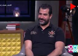 فيديو- رد فعل محمود حافظ عندما تحرشت به معجبة أمام زوجته
