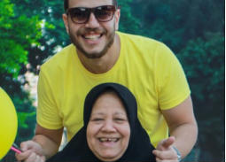 """بالفيديو -  ابن """"ماما سناء"""" متهم بالتسبب في موت أمه"""