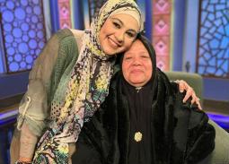 """دعاء عامر تكشف سبب وفاة """"ماما سناء"""""""