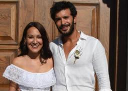 بالصور- زواج باريش أردوتش على حبيبته الممثلة التركية جوبسي أوزاي