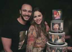 بالصور- هنادي مهنى تحتفل بعيد ميلادها مع أحمد خالد صالح