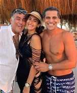 بعد صورته المثيرة للجدل مع أمينة خليل وخطيبها ...تامر حبيب صديق الفنانين