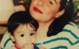 نشرت الممثلة مها أبو عوف صورة من ذكرياتها ظهرت فيها في شبابها مع ابنها وهو صغير.