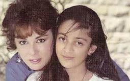 تحدثت نجلاء فتحي عن ياسمين ابنتها عندما تقابلت مع حمدي قنديل في أول مرة أثناء عزومته لهما، اندمجت معه وهي من شجعتها على الزواج منه