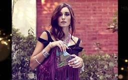 بعد صورتها مع عمرو يوسف المثيرة للجدل... تعرف على خطيب أمينة خليل