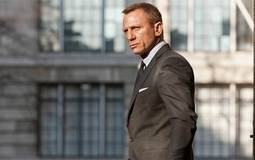 """تقارير- دانييل كريج يتعاقد على أحدث أفلام """"جيمس بوند"""" ومخرج Inception مرشح لإخراجه"""