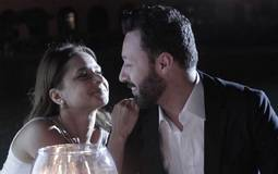 """بالفيديو- نيللي كريم وأحمد فهمي يجتمعان في جلسة تصوير بعد نجاحهما في """"لأعلى سعر"""""""