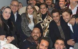 """أبطال فيلم """"اطلعولي بره"""" وأحمد السعدني وكريم فهمي."""