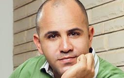 عزيز الشافعي يقاضي مسلسلات رمضان بسبب سرقة أغنياته