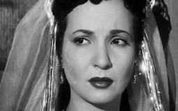 """بالصور- محبو شادية يغنون: """"يا حبيبتي يا مصر"""" في جنازتها.. ولافتات في حبها"""