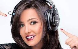 """تخوض بشرى تجربة جديدة وهي التقديم الإذاعي خلال برنامجها """"خليك مكانك"""" عبر إذاعة  نغم F.M""""."""