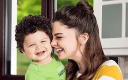 """بالصور- التركية بيلين كارهان """"الأميرة مريم"""" في """"حريم السلطان"""" مع ابنها في حملة إعلانية"""