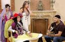 """كاريكا يدرب هالة فاخر على الغناء في """"بيت العيلة"""""""