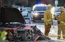 """لقي الممثل بول وكر، الشهير بدوره في سلسلة افلام """"The Fast and The Furious""""، مصرعه في حادث سيارة في لوس أنجلوس، السبت 30 نوفمبر، بعد أن اصطدم في عمود إنارة.  ووقع حادث السيارة """"البورشة"""" الحمراء، عصر السبت في تمام الساعة 3:30 بتوقيت الولايات المتحدة الأمريكية، ووصل رجال الانقاذ والمطافئ إلى موقع الحادث ليجدوا السيارة مشتعلة وقد توفي بها بول وكر ورفيقه الذي كان يقود السيارة.  وأوضحت الصفحة الرسمية لووكر على موقع """"Facebook"""" عن الممثل البالغ من العمر 40 عاما كان عائدًا من حفل لجمع تبرعات لجمعيته الخيرية """"Reach Out Worldwide""""، قبل أن يصطدم صديقه الذي كان يقود السيارة في عمود إنارة."""