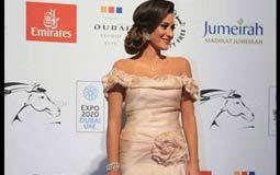 بالفيديو- أمينة خليل تكشف لـ FilFan.com محتويات حقيبتها بمهرجان دبي السينمائي