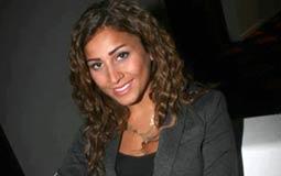 بالفيديو- دينا الشربيني تبحث عن عريس في Saturday Night Live بالعربي