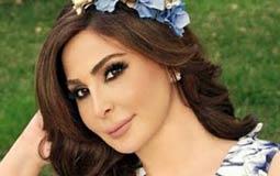 بالفيديو- إليسا تستعين بالسيدة العذراء مريم لإنقاذ لبنان